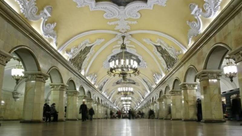 Architecture Tour of Moscow's Metro and Kolomensoye Estate
