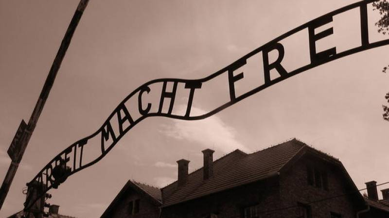 Auschwitz 1 Day Tour from Warsaw with lunch included