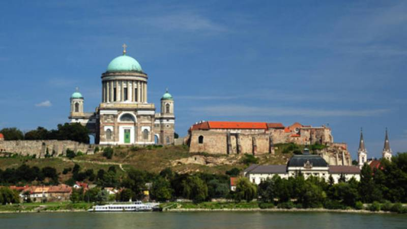 From Budapest: Danube Bend Day Trip including Lunch