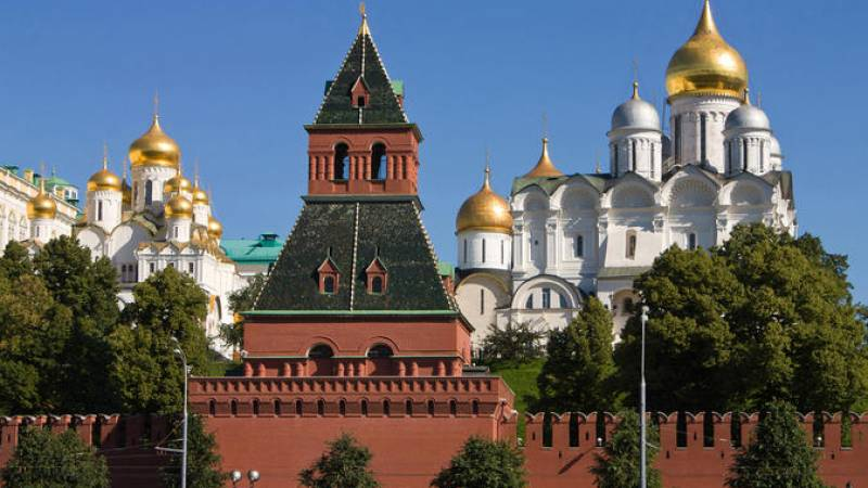 Early-Admission Kremlin Tour in Moscow: Armory, Diamond Fund Exhibition and Assumption Cathedral