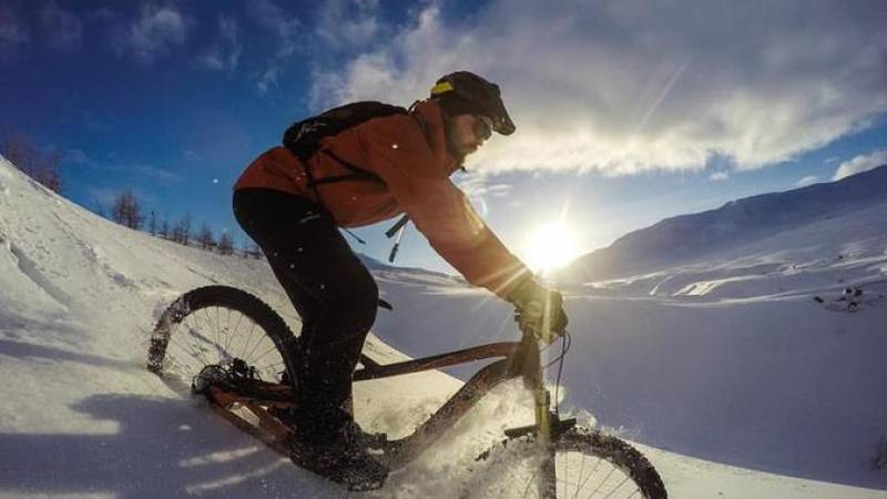 Fat Bike Tour at Lake Mývatn from Reykjahlíð