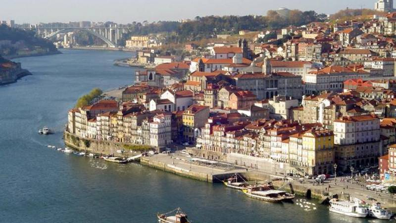 Private Porto Secrets Walking Tour (With free Port Wine Tasting)