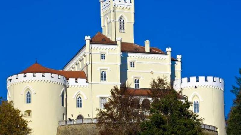 Varazdin Baroque Town and Trakoscan Castle - Small Group Day Trip from Zagreb